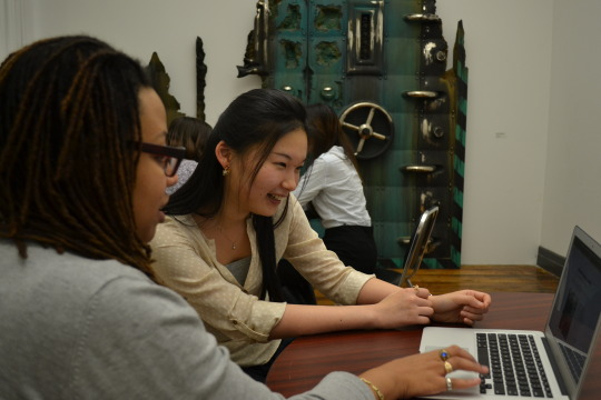 Doctor's Hours for Artists in Mandarin: Monday, March 21, 6:00 PM – 9:00 PM